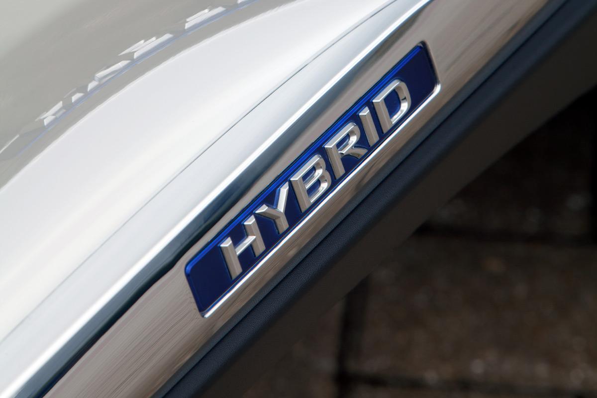 141217_hybrid-tax_1.jpg
