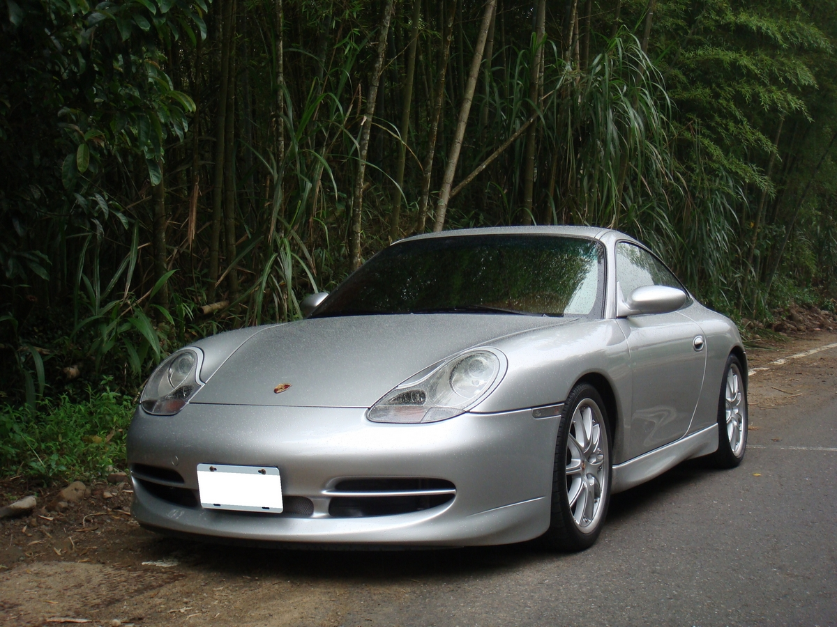 Porsche_996_74.jpg