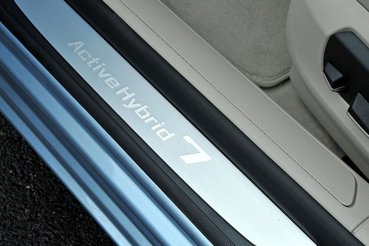 BMW-7_ActiveHybrid_2013_1600x1200_wallpaper_1e.jpg