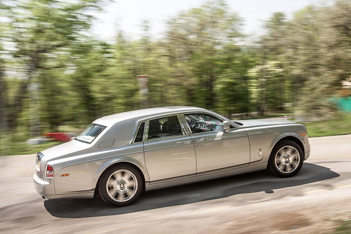 Rolls-Royce-Phantom_2013_1600x1200_wallpaper_0f.jpg