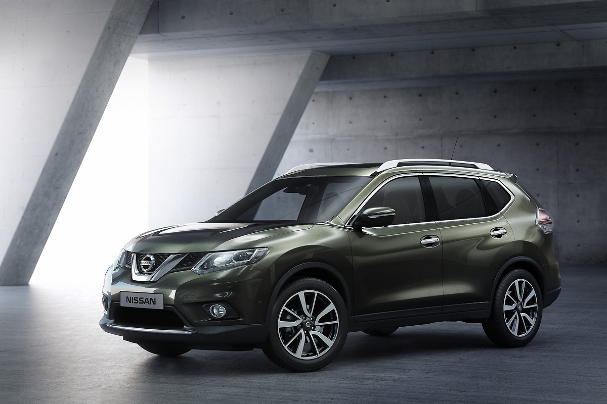 Nissan-X-Trail_2014_1600x1200_wallpaper_0a.jpg