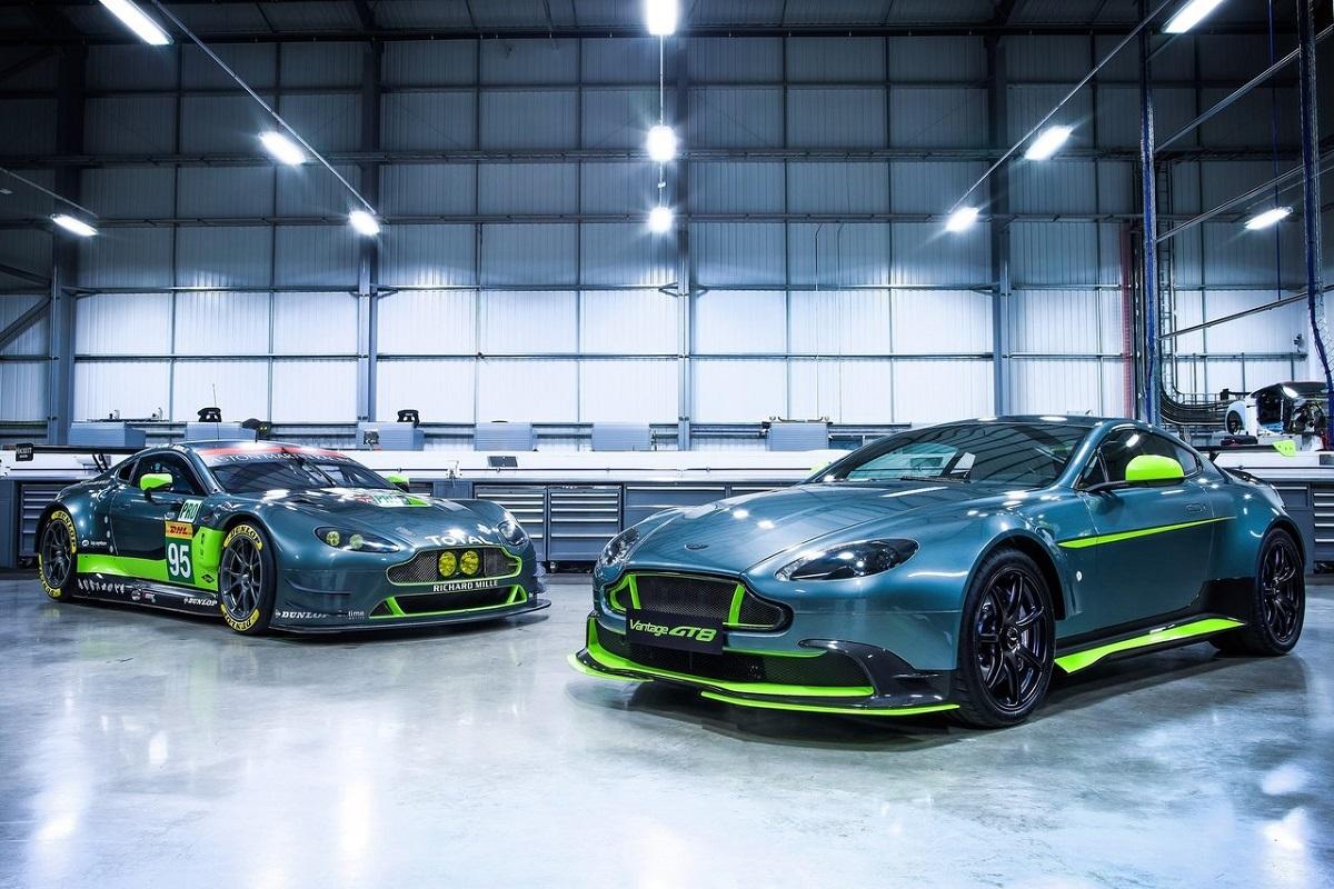 Aston_Martin-Vantage_GT8-2017 (3).jpg