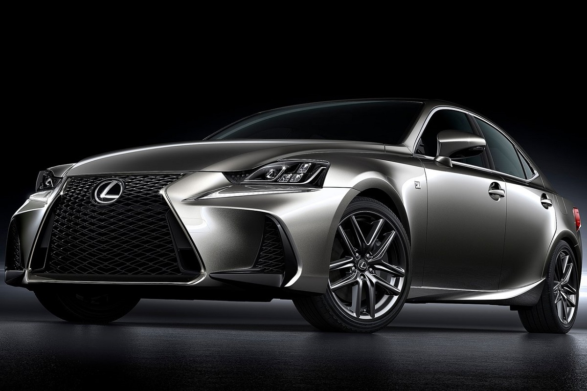 Lexus-IS-2017 (5).jpg