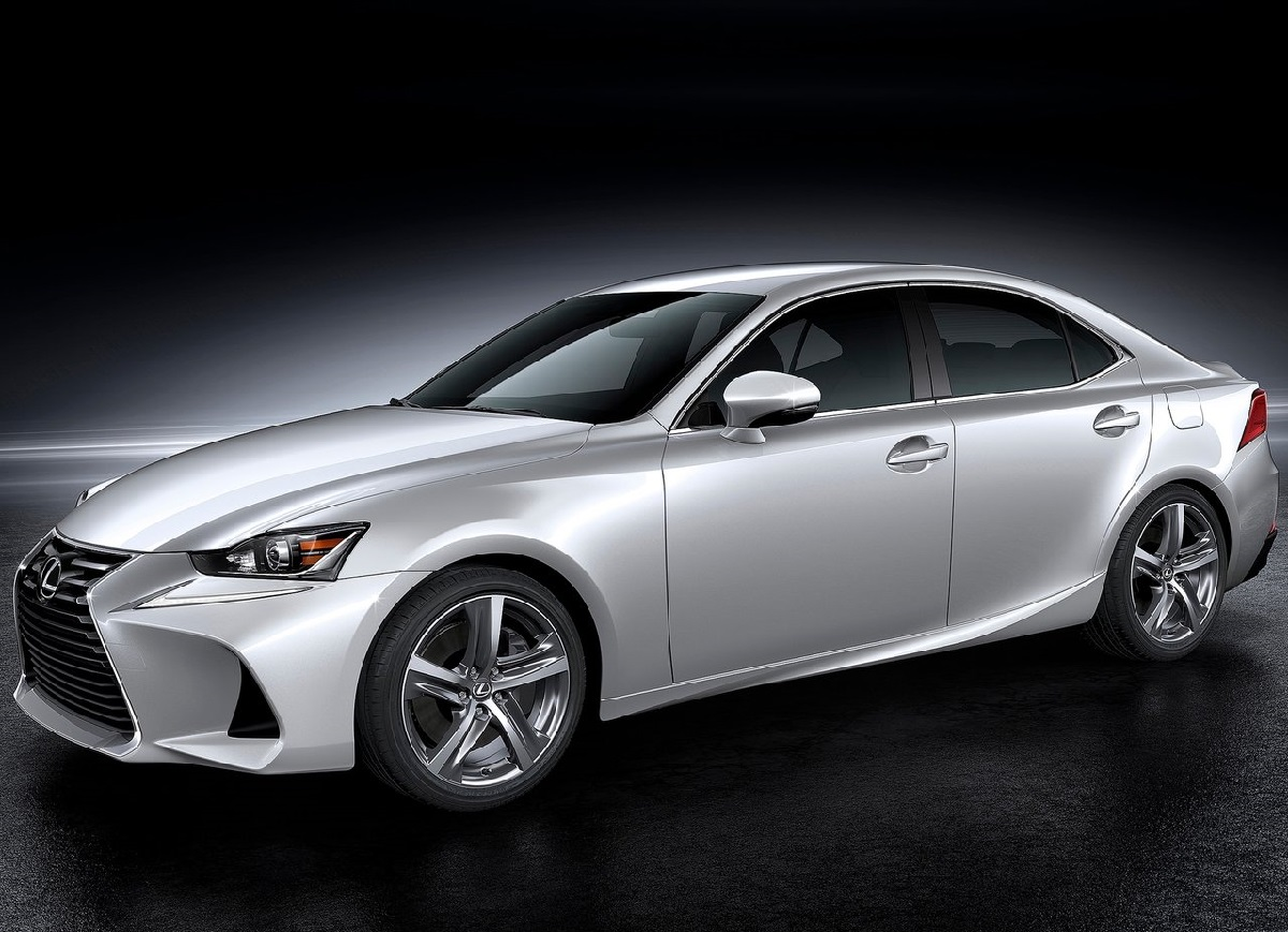 Lexus-IS-2017.jpg