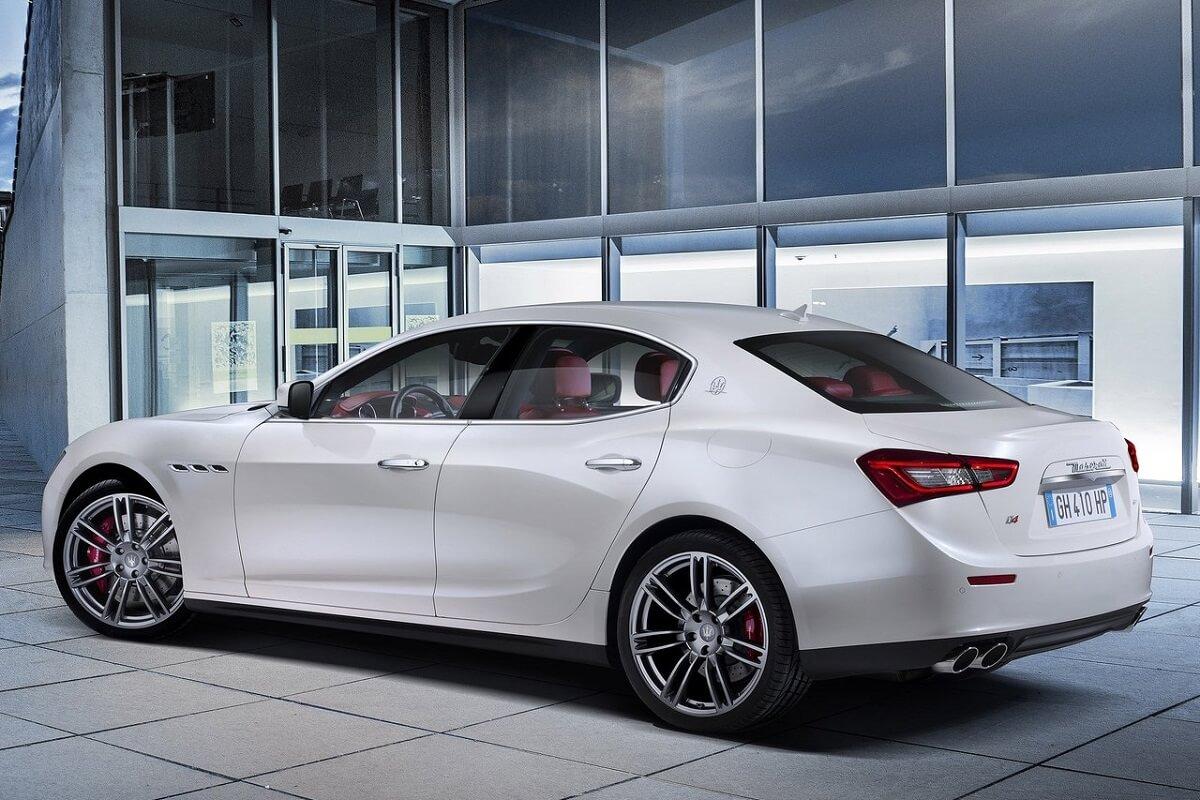 Maserati-Ghibli (2).jpg