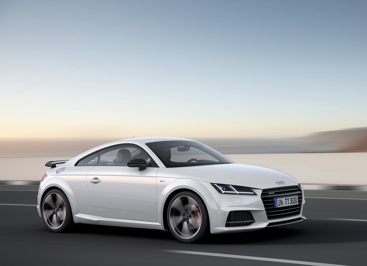 Audi-TT_Coupe_S_line_competition-2017 (1).jpg