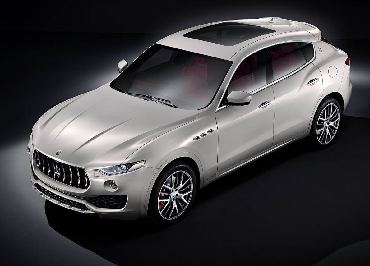 Maserati-Levante_2017_1280x960_wallpaper_01.jpg