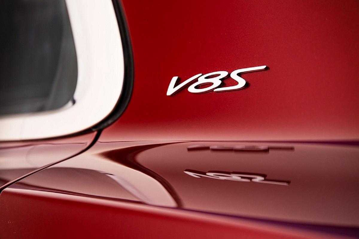 V8 S (6).jpg