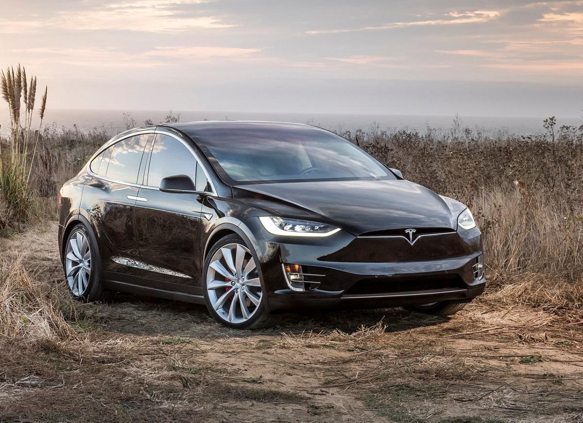 Tesla-Model_X-2017 (1).jpg