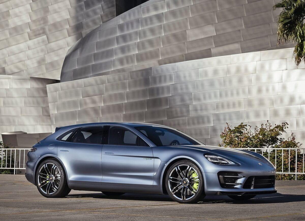 Porsche-Panamera_Sport_Turismo_Concept-2012 (2).jpg