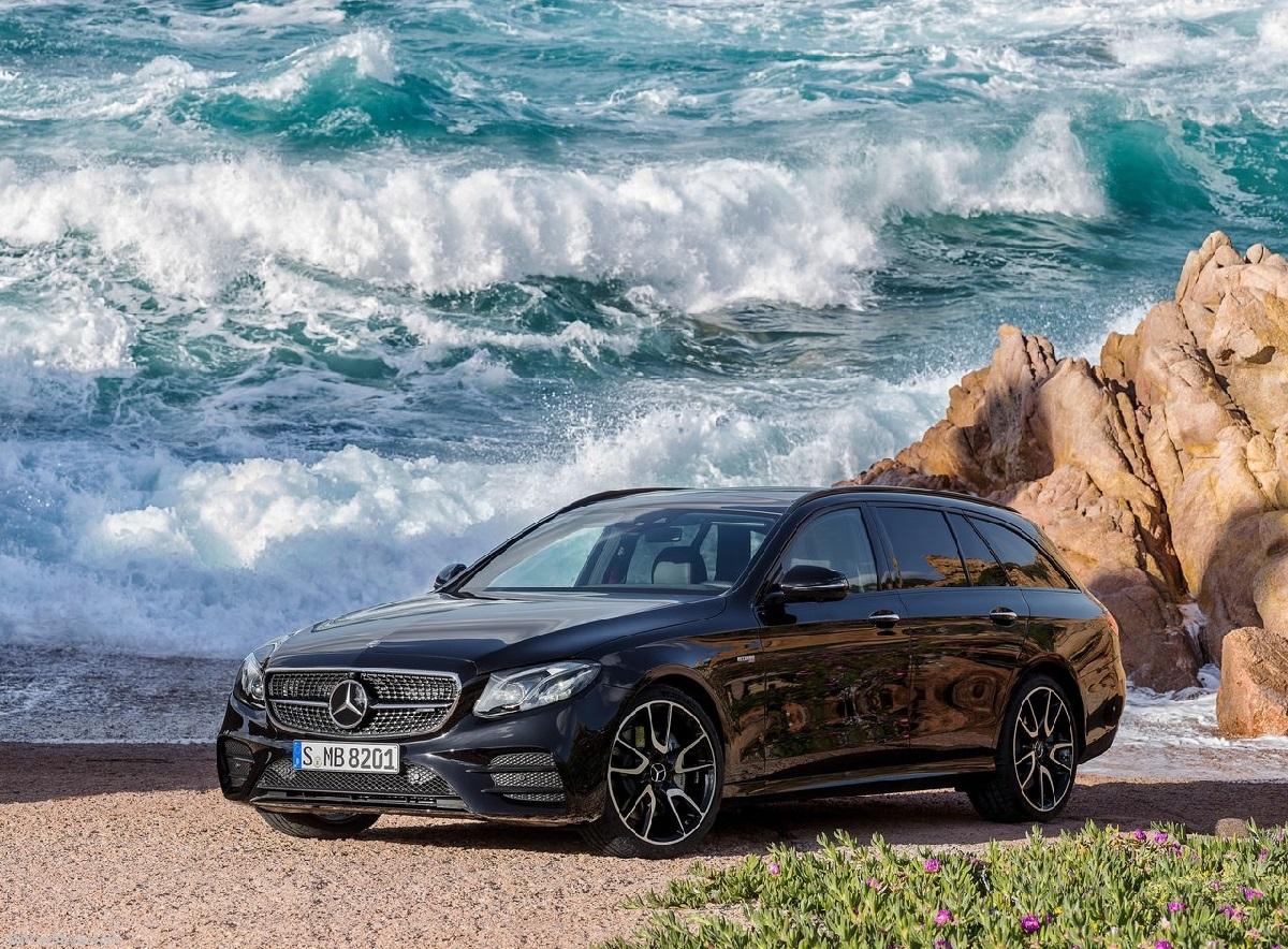 Mercedes-Benz-E43_AMG_4Matic_Estate (1).jpg