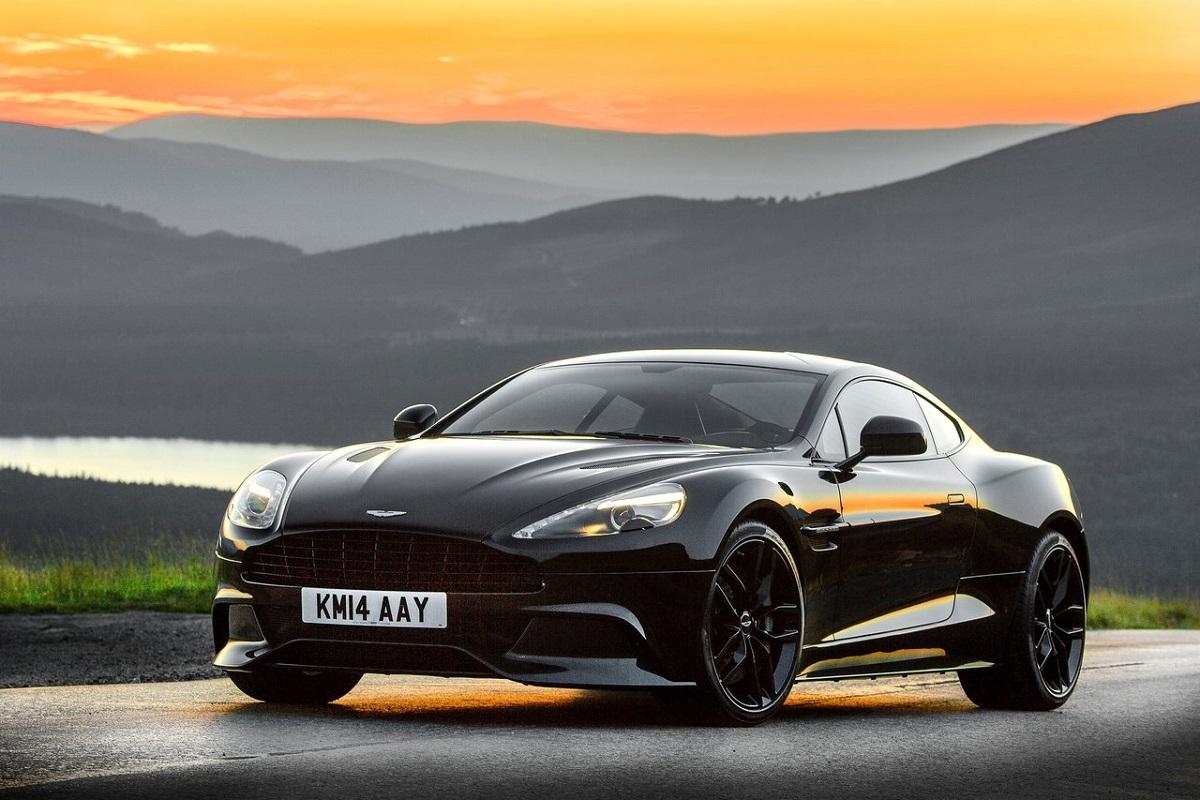 Aston_Martin-Vanquish_ (2).jpg