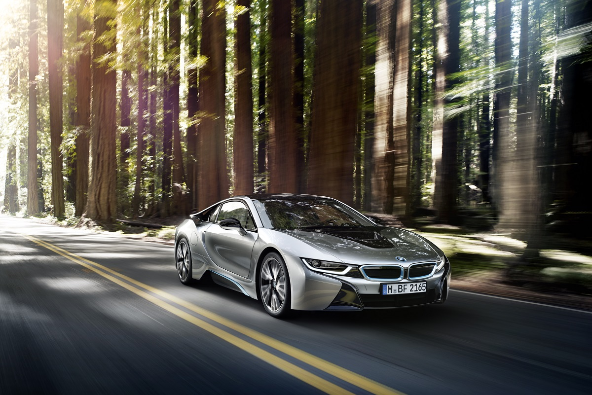 P90133047_highRes_the-bmw-i8-09-2013.jpg