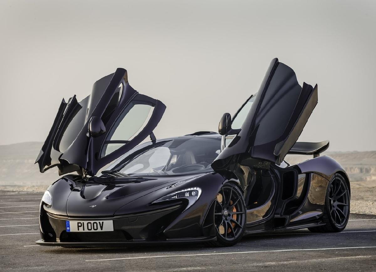 McLaren-P1_Prost (3).jpg