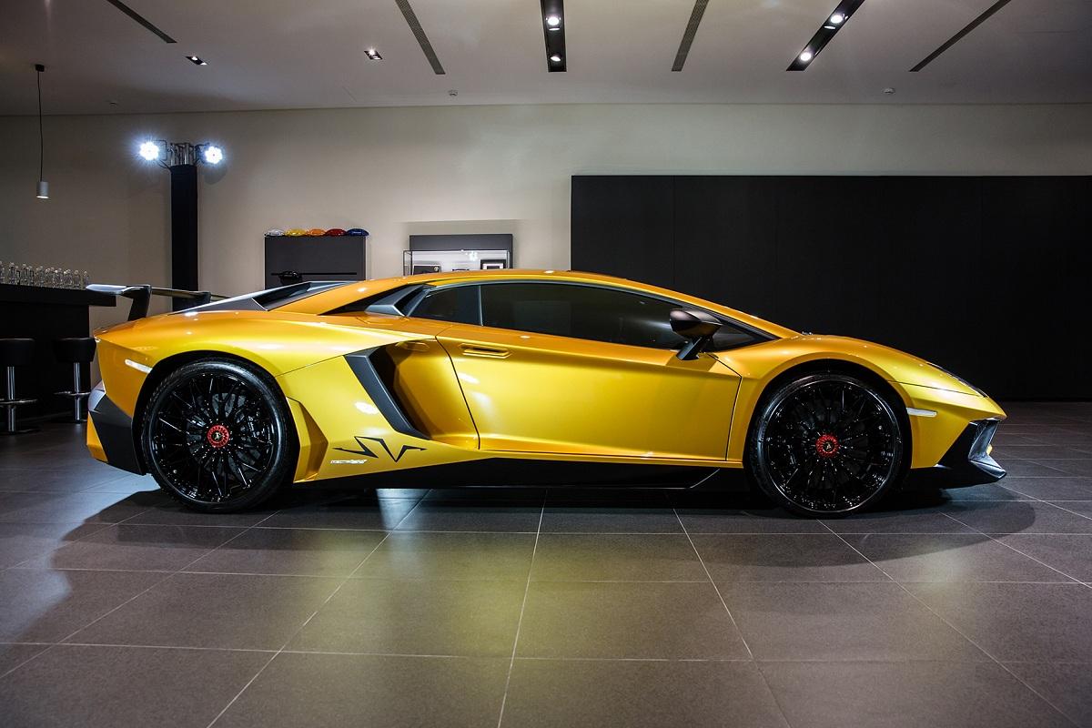 Lamborghini Ad Personam.jpg