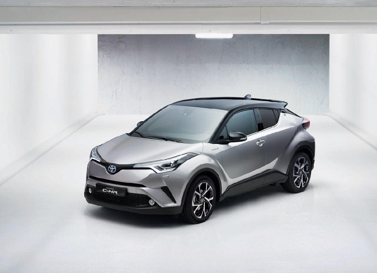 Toyota-C-HR-2017 (1).jpg