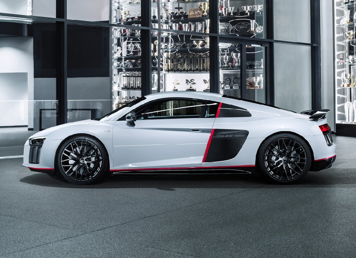 Audi-R8_Coupe_V10_plus_selection_24h-2016 (2).jpg