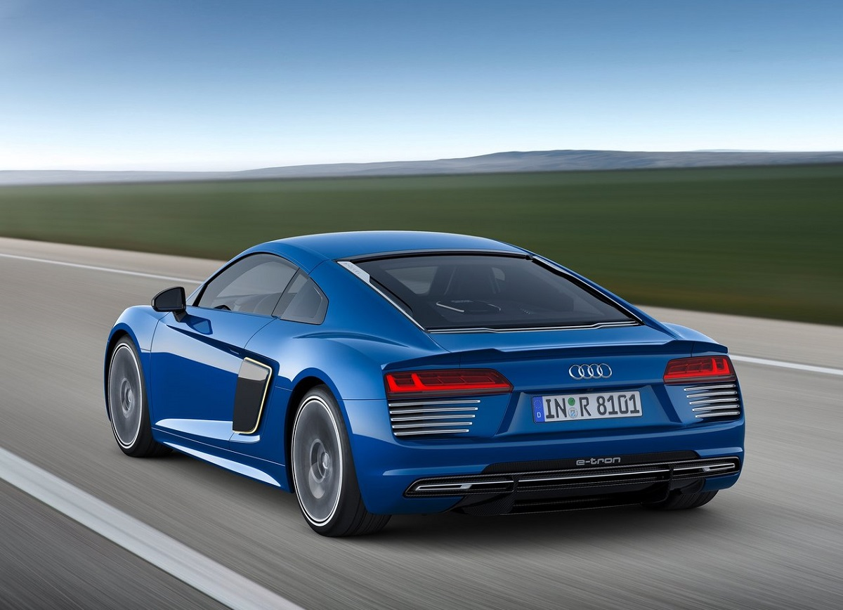 Audi-R8_e-tron-2016 (1).jpg