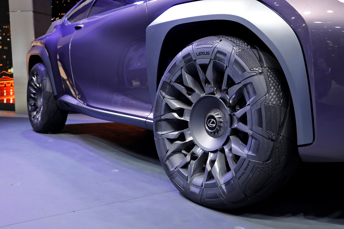 004_Goodyear Lexus Paris 2016.jpg