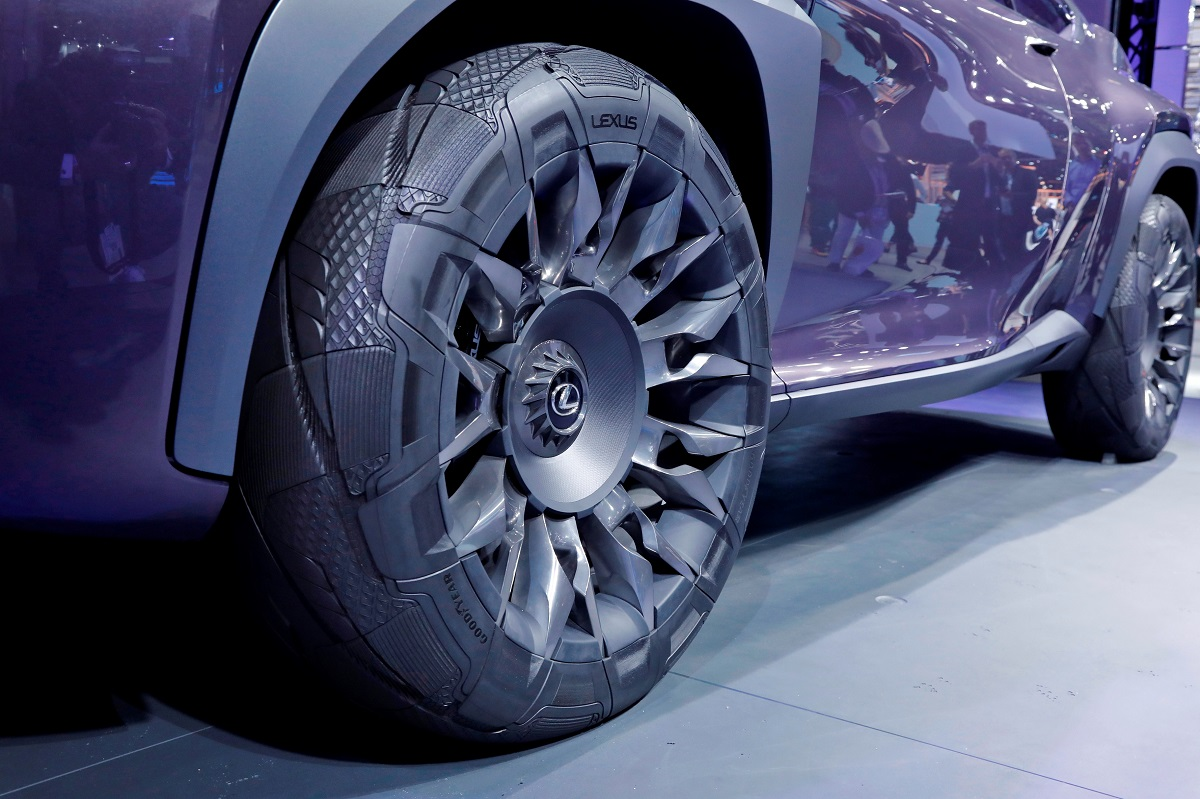 005_Goodyear Lexus Paris 2016-low res.jpg