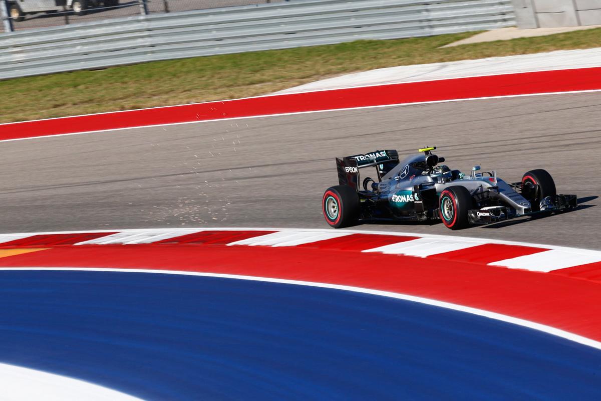 Nico Rosberg為求年度車手排行勝果,本站轉為保守姿態,仍以亞軍作收,目前車手積分排行榜中暫時領先Lewis Hamilton積分26分.jpg
