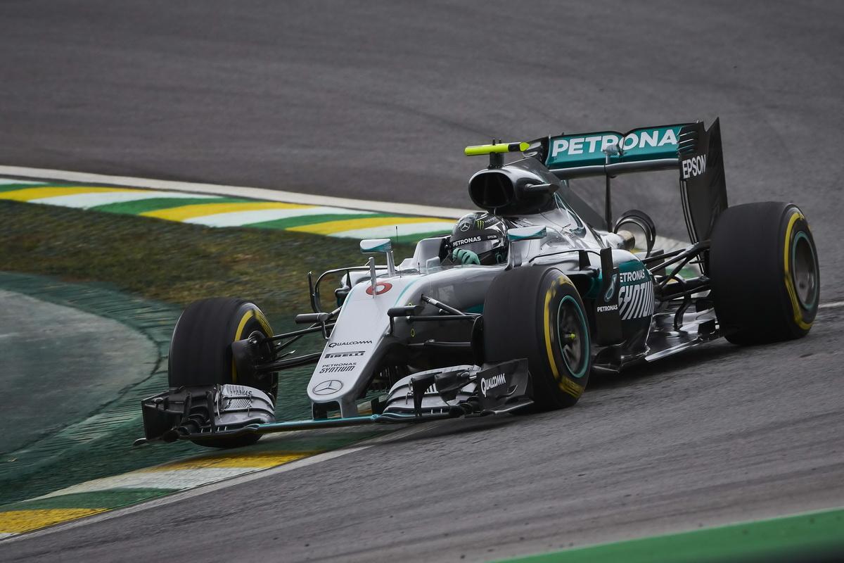 Nico Rosberg於排位賽期間雖然拼搏至最後,但仍以0.1秒之差緊追在後,從第二位置出發,在正賽時也以亞軍作收。.jpg