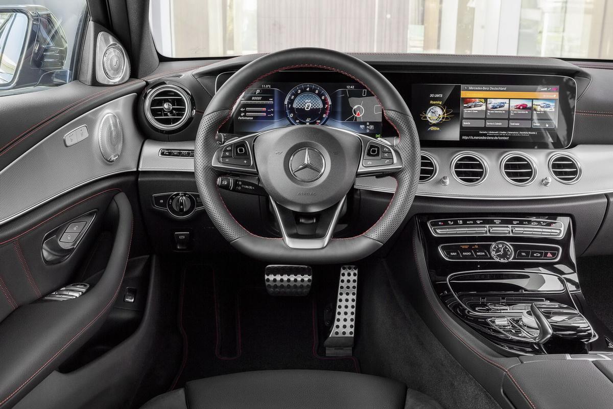 Mercedes-AMG E 43 4MATIC座艙內有著AMG專屬套件點綴,造就出兼具豪華質感與性能氛圍的座艙風格.jpg