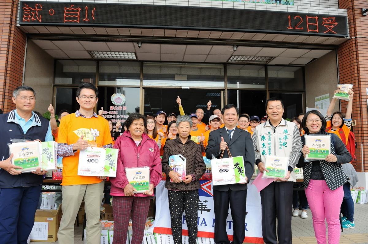 中華汽車彩繪稻稻米收成 2610公斤稻米全數公益使用 捐贈當地低收入戶.jpg