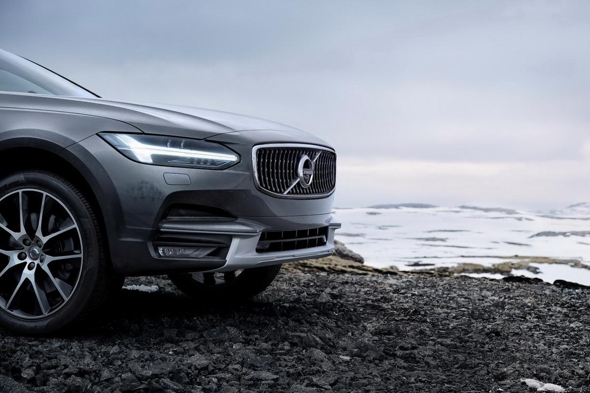 Volvo-V90-CC-New-05.jpg