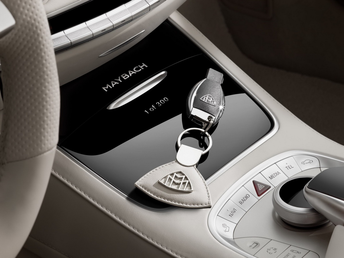Mercedes-Maybach-S650-Cabriolet-23.jpg