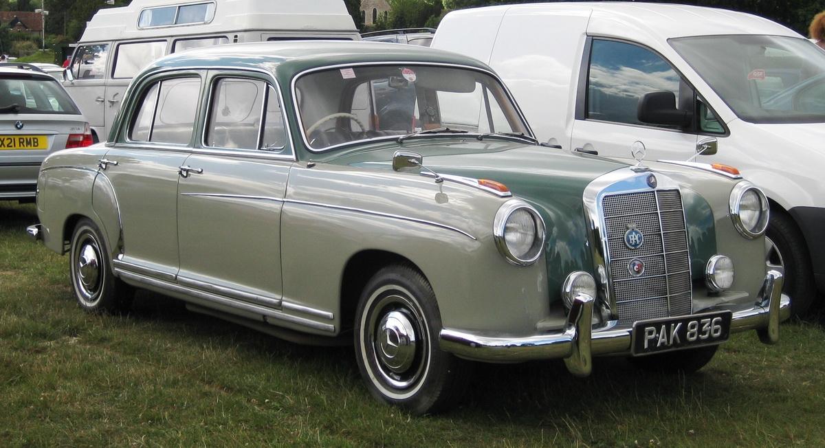 Mercedes_Benz_220S_June_1958_2195cc.JPG