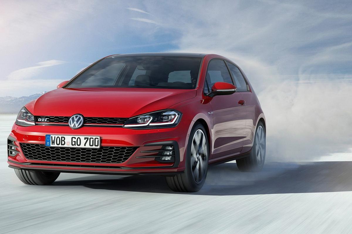Volkswagen-Golf-2017-1600-0d.jpg