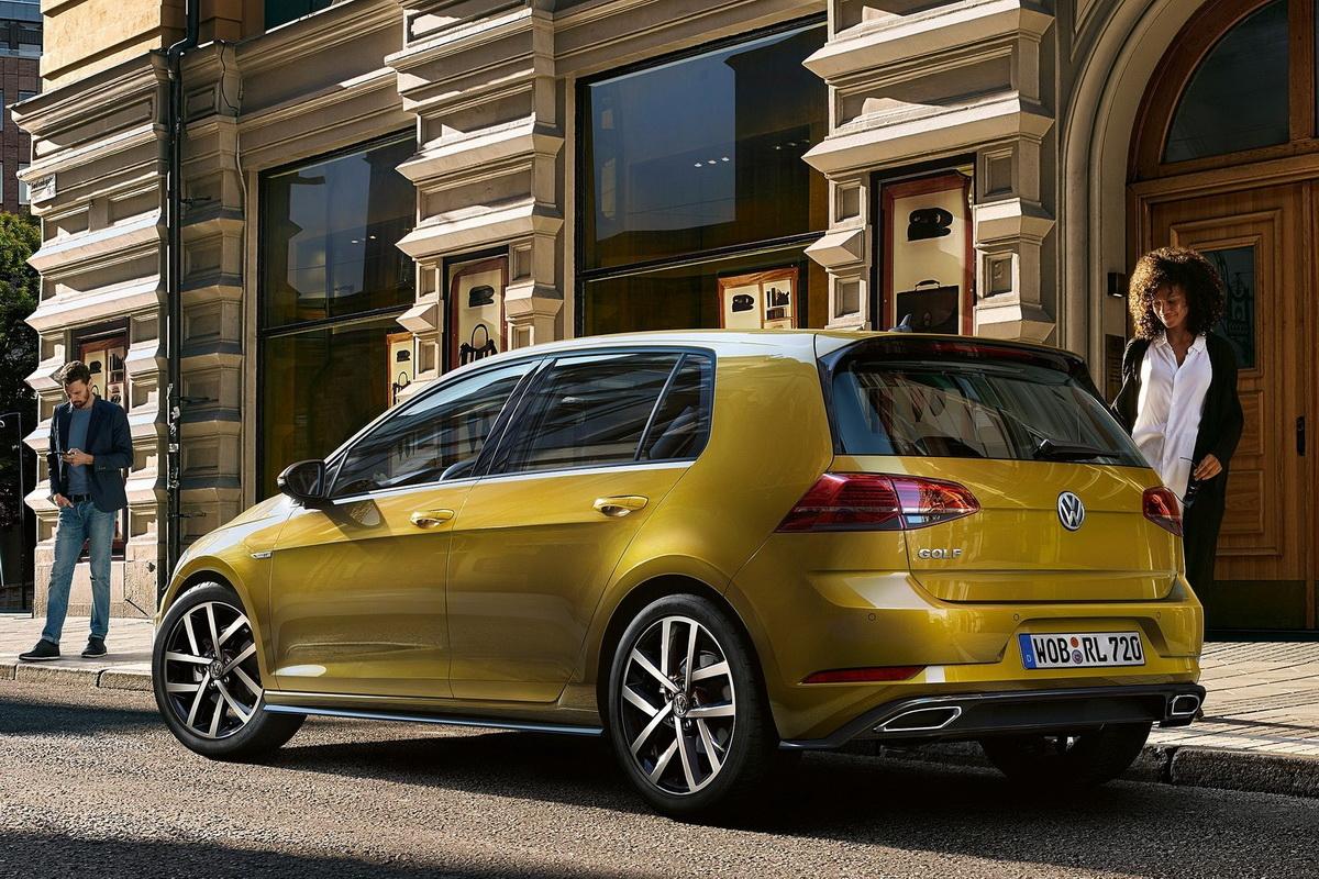 Volkswagen-Golf-2017-1600-13.jpg