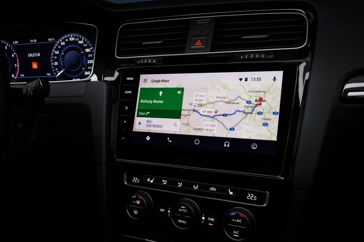 Volkswagen-Golf-2017-1600-24.jpg
