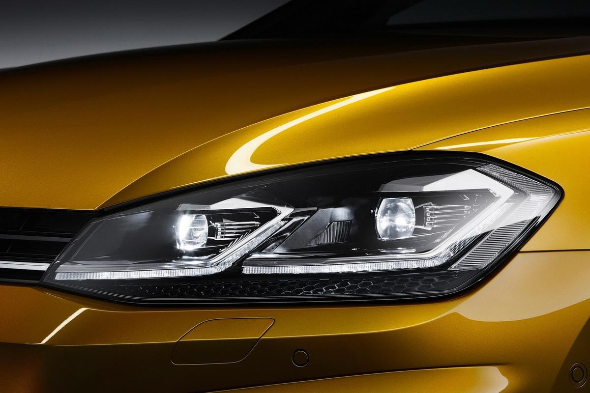 Volkswagen-Golf-2017-1600-28.jpg