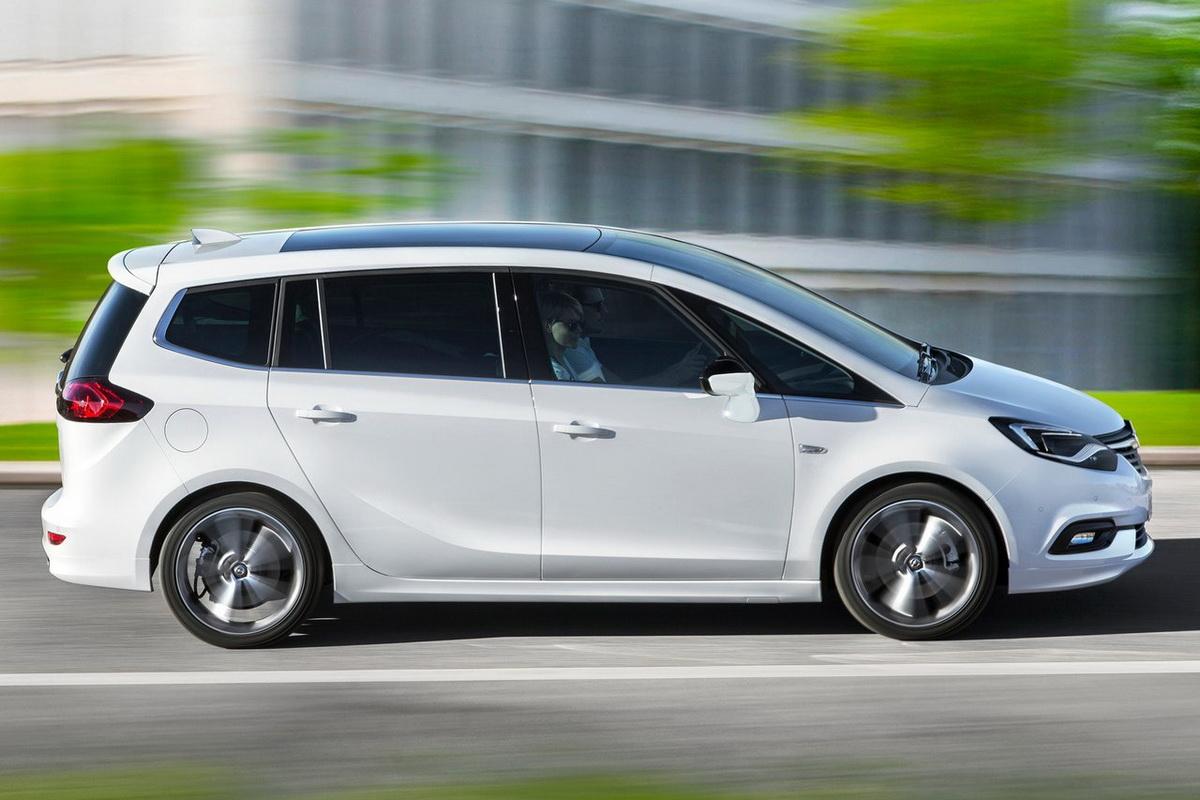 Opel-Zafira-2017-1280-09.jpg