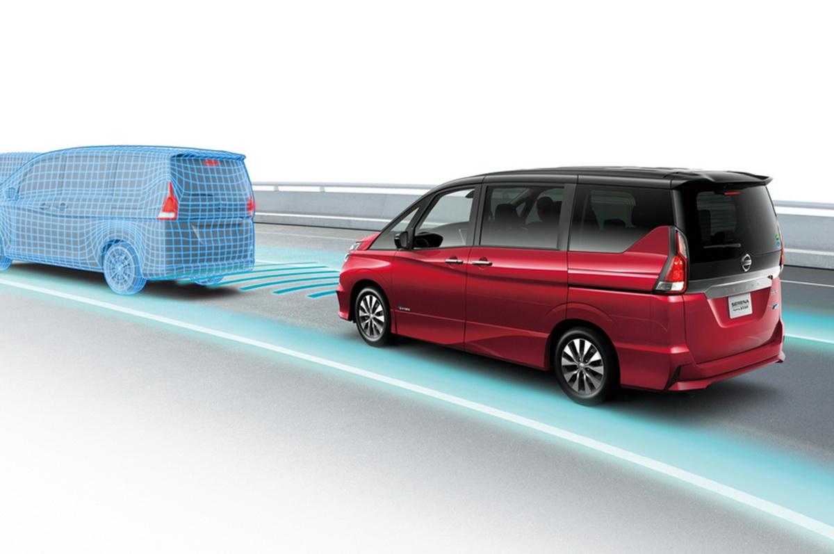 Nissan-Serena-following-illustration.jpg