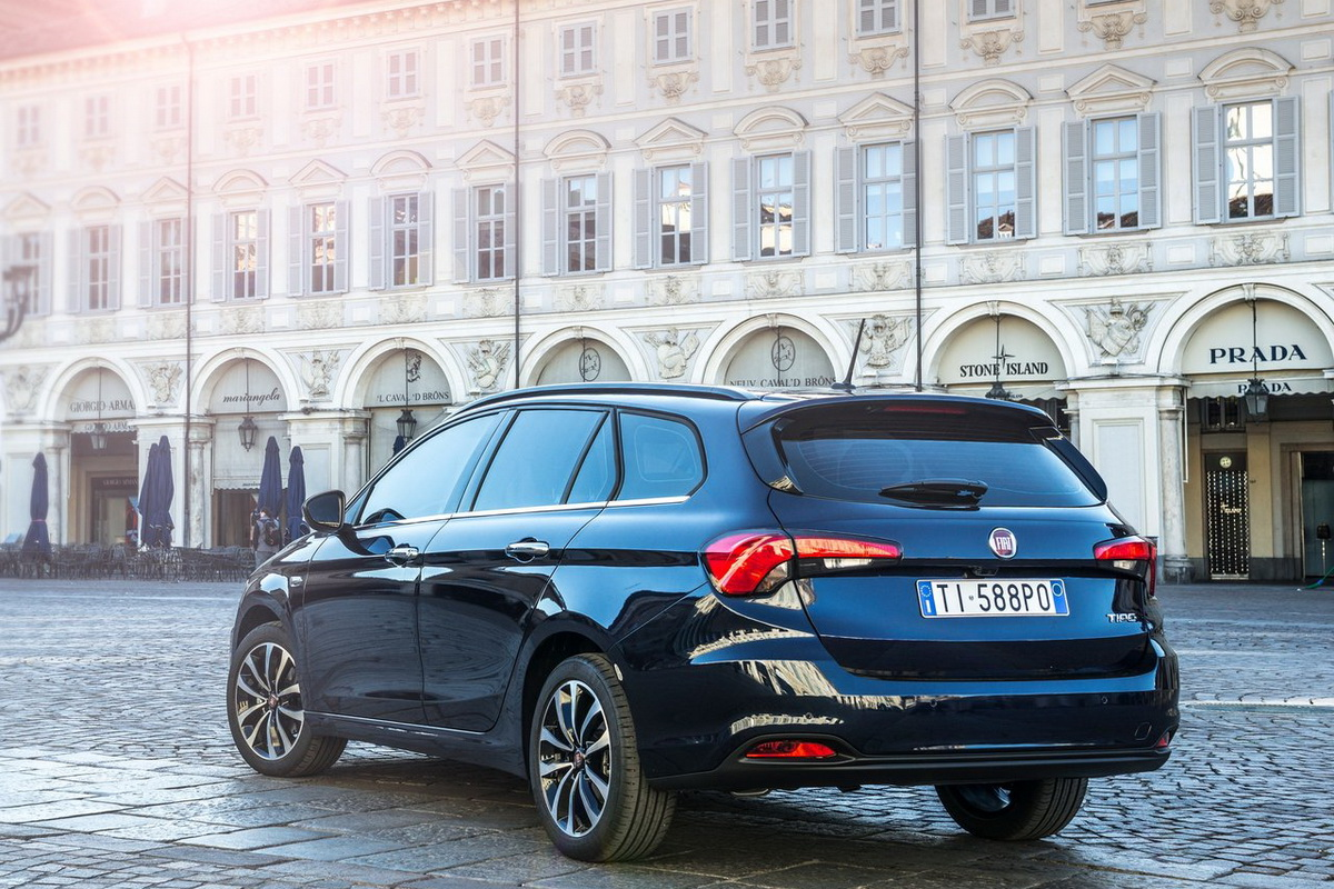 Fiat-Tipo_Station_Wagon-2017-1280-06.jpg