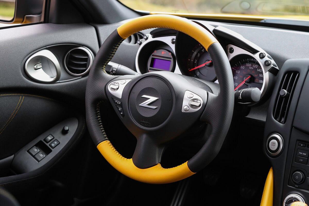 2018_Nissan_370Z_Heritage_Edition (10).jpg
