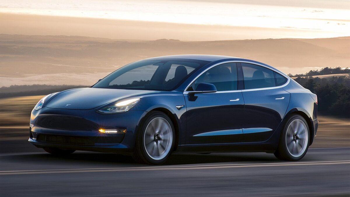 Tesla Model 3 (2).jpg