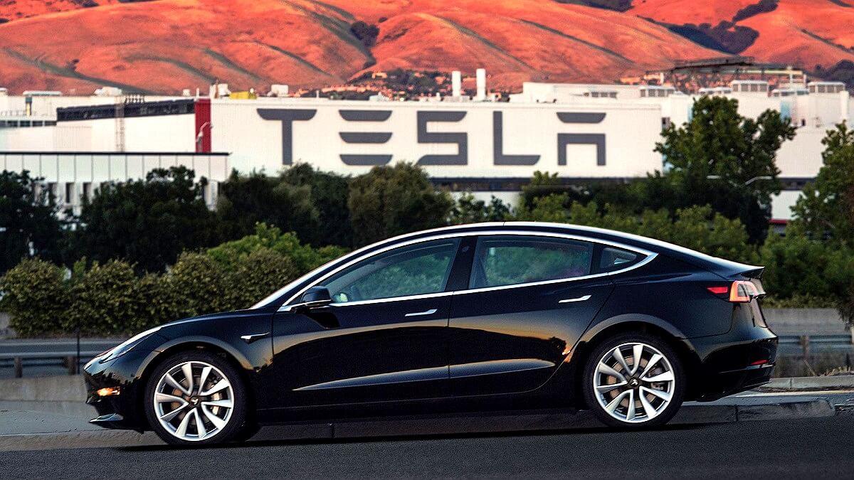 Tesla Model 3 (5).jpg