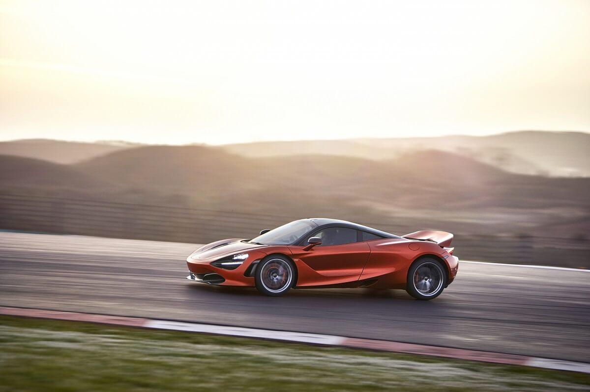 7521-McLaren+720S-22-Action.jpg