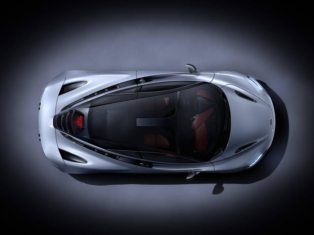 7534-McLaren+720S-03-Studio.jpg