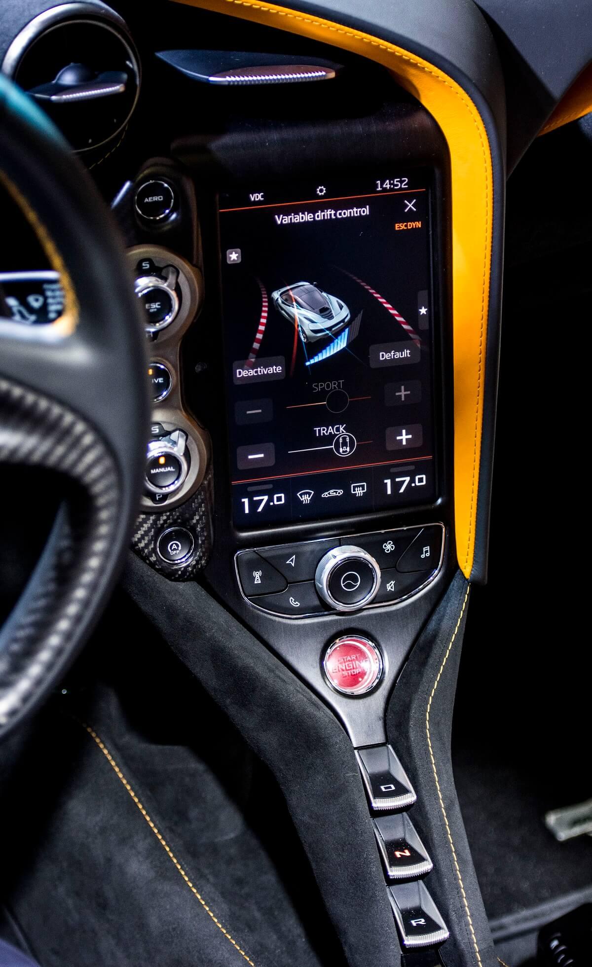 McLaren 720S (1).JPG