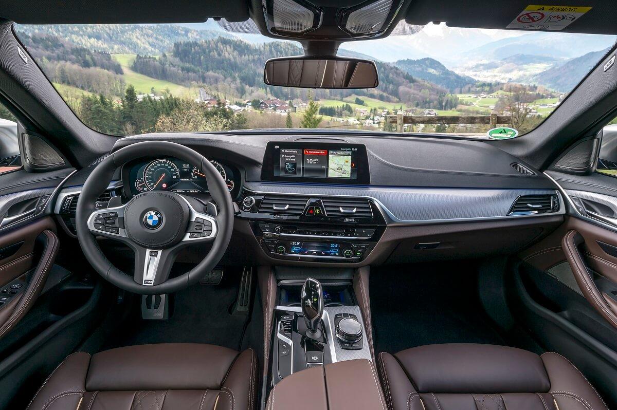 BMW M550i xDrive (4).jpg