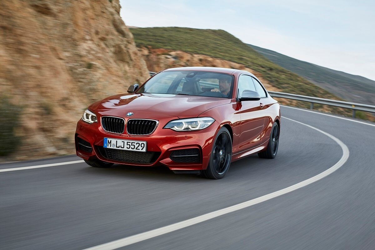 P90258105_highRes_the-new-bmw-2-series.jpg