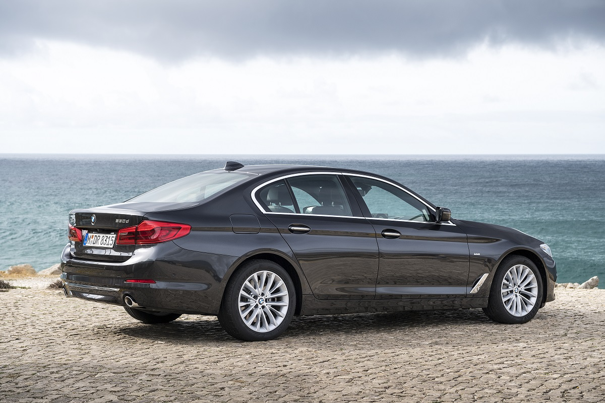 P90243490_highRes_the-new-bmw-5-series.jpg