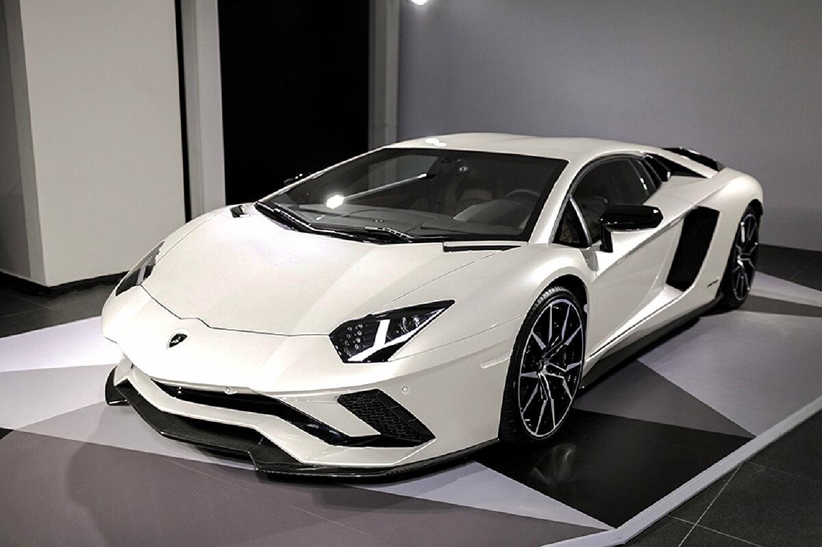 Lamborghini Aventador S (3).jpg