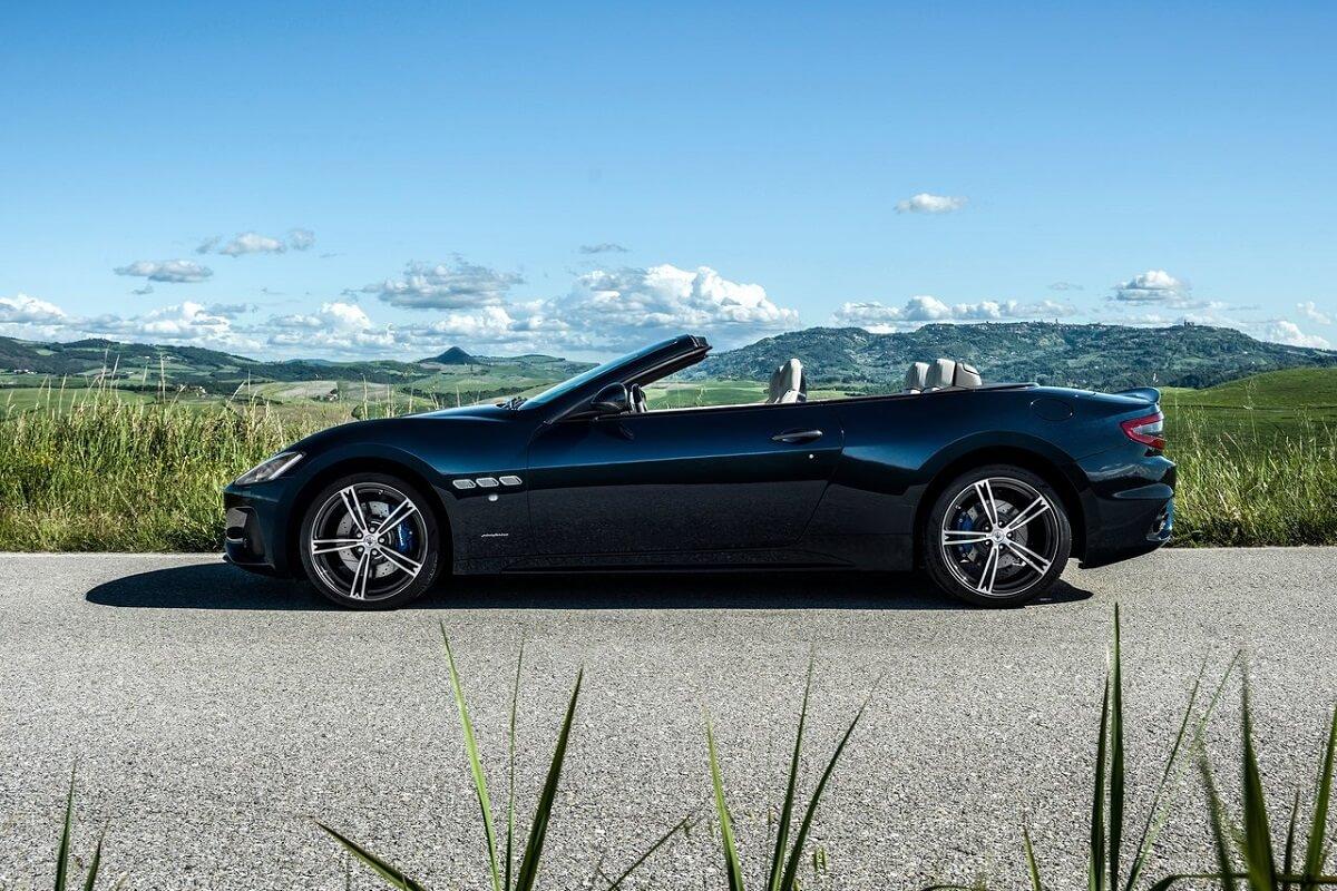 Maserati-GranCabrio-2018 (2).jpg