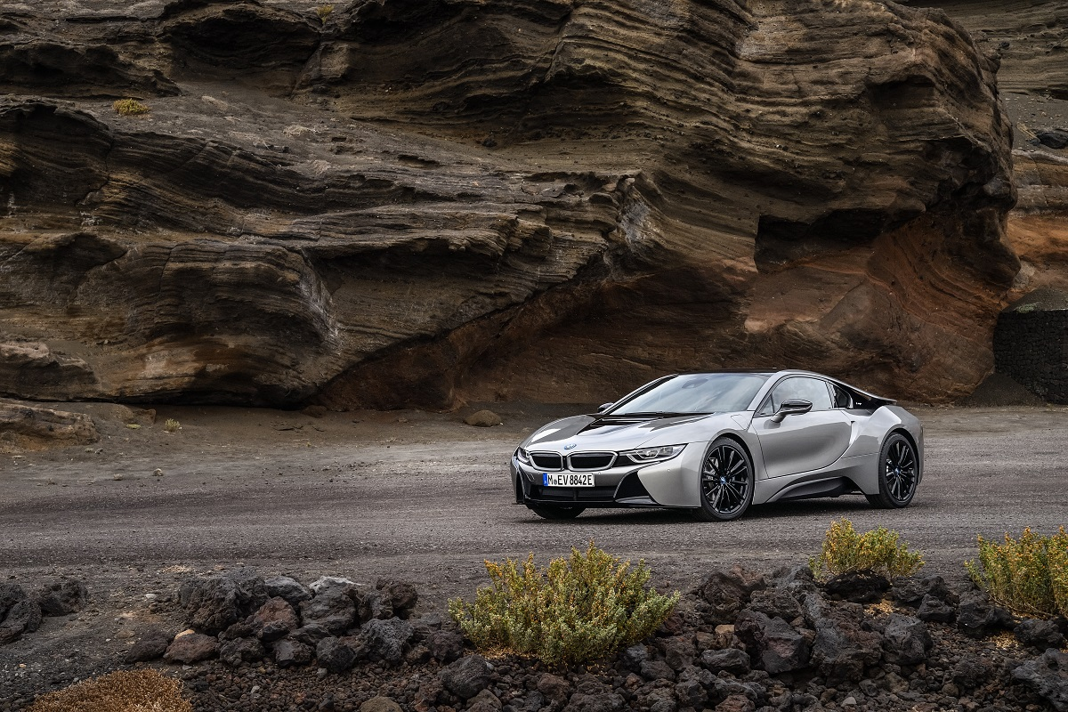 P90285391_highRes_the-new-bmw-i8-coupe.jpg